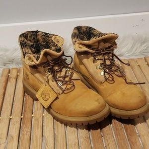 Timberland boots six eye slip on